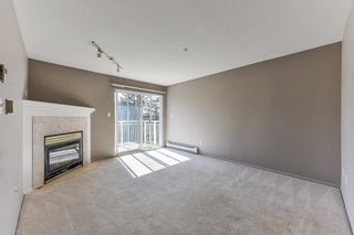 "Photo 3: 401 20189 54 Avenue in Langley: Langley City Condo for sale in ""CATALINA GARDENS"" : MLS®# R2310596"