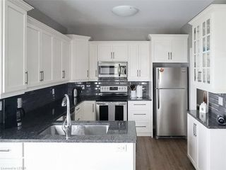 Photo 6: 39 681 W COMMISSIONERS Road in London: South C Residential for sale (South)  : MLS®# 165587