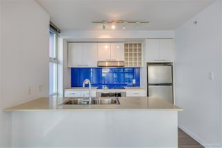 Photo 8: 2501 111 W GEORGIA Street in Vancouver: Downtown VW Condo for sale (Vancouver West)  : MLS®# R2327065