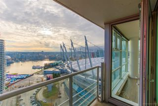 Photo 3: 2501 111 W GEORGIA Street in Vancouver: Downtown VW Condo for sale (Vancouver West)  : MLS®# R2327065