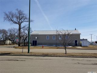 Photo 1: 102 1st Avenue East in Wilkie: Commercial for sale : MLS®# SK759117