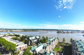 "Main Photo: 1601 1185 QUAYSIDE Drive in New Westminster: Quay Condo for sale in ""RIVIERA TOWERS"" : MLS®# R2342426"