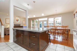 Photo 13: 1165 Chapman Street in VICTORIA: Vi Fairfield West Single Family Detached for sale (Victoria)  : MLS®# 407540