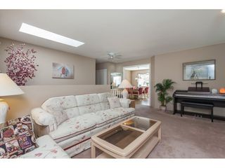Photo 4: 13682 90 Avenue in Surrey: Bear Creek Green Timbers House for sale : MLS®# R2359509
