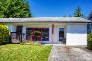 Photo 2: 5808 MEDUSA Street in Sechelt: Sechelt District House for sale (Sunshine Coast)  : MLS®# R2372533