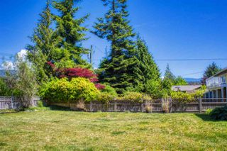 Photo 18: 5808 MEDUSA Street in Sechelt: Sechelt District House for sale (Sunshine Coast)  : MLS®# R2372533