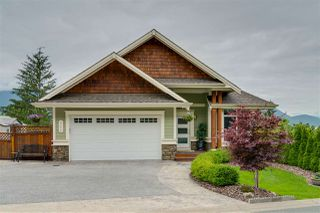 Main Photo: 43620 ALAMEDA Drive in Chilliwack: Chilliwack Mountain House for sale : MLS®# R2386055