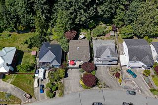 "Photo 33: 808 BAYVIEW HEIGHTS Road in Gibsons: Gibsons & Area House for sale in ""BAY AREA"" (Sunshine Coast)  : MLS®# R2467280"
