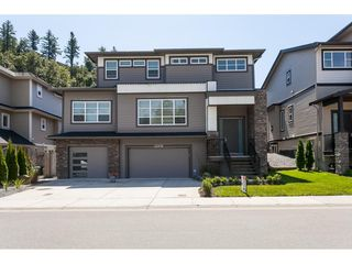 Photo 2: 33978 MCPHEE Place in Mission: Mission BC House for sale : MLS®# R2478044