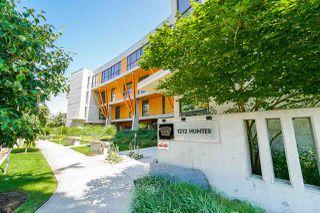 "Photo 2: 203 1212 HUNTER Road in Tsawwassen: Beach Grove Condo for sale in ""The View"" : MLS®# R2489936"