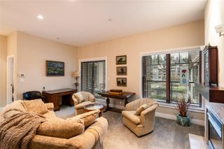 Photo 2: 404 1335 Bear Mountain Pkwy in : La Bear Mountain Condo for sale (Langford)  : MLS®# 855329