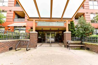 "Photo 3: 908 5288 MELBOURNE Street in Vancouver: Collingwood VE Condo for sale in ""EMERALD PARK PLACE"" (Vancouver East)  : MLS®# R2498733"