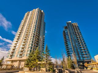 Photo 2: 2101 77 SPRUCE Place SW in Calgary: Spruce Cliff Apartment for sale : MLS®# A1056300