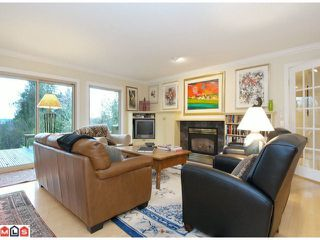 "Photo 2: 17385 HILLVIEW Place in Surrey: Grandview Surrey House for sale in ""COUNTRY WOODS"" (South Surrey White Rock)  : MLS®# F1104130"
