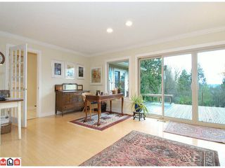 "Photo 7: 17385 HILLVIEW Place in Surrey: Grandview Surrey House for sale in ""COUNTRY WOODS"" (South Surrey White Rock)  : MLS®# F1104130"