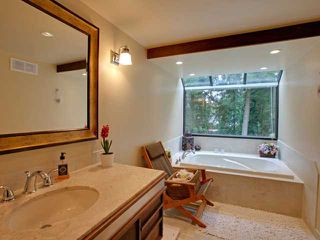 Photo 9: 978 BELVEDERE Drive in North Vancouver: Canyon Heights NV House for sale : MLS®# V876359