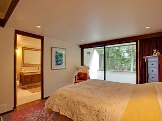 Photo 8: 978 BELVEDERE Drive in North Vancouver: Canyon Heights NV House for sale : MLS®# V876359