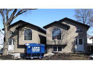 Photo 1: 1512 C Avenue North in Saskatoon: Mayfair Single Family Dwelling for sale (Saskatoon Area 04)  : MLS®# 395748