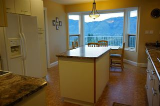 Photo 9: 2150 Skeena Drive in Kamloops: Juniper Heights Residential Detached for sale : MLS®# 111488