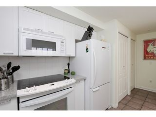 "Photo 11: 203 657 W 7TH Avenue in Vancouver: Fairview VW Townhouse for sale in ""THE IVY'S"" (Vancouver West)  : MLS®# V1059646"