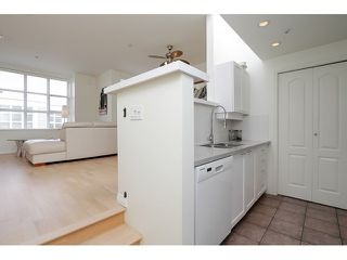 "Photo 12: 203 657 W 7TH Avenue in Vancouver: Fairview VW Townhouse for sale in ""THE IVY'S"" (Vancouver West)  : MLS®# V1059646"