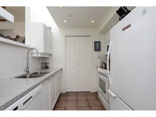 "Photo 9: 203 657 W 7TH Avenue in Vancouver: Fairview VW Townhouse for sale in ""THE IVY'S"" (Vancouver West)  : MLS®# V1059646"