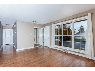 Photo 2: 16 ARBOUR Crescent SE in Calgary: Acadia Residential Detached Single Family for sale : MLS®# C3640251