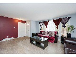 Photo 4: 404 Morris Avenue in SELKIRK: City of Selkirk Residential for sale (Winnipeg area)  : MLS®# 1501847