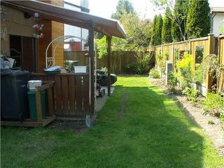 "Photo 3: 3249 DUNKIRK Avenue in Coquitlam: New Horizons House for sale in ""NEW HORIZONS"" : MLS®# V1112846"