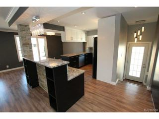 Photo 5: 911 Vimy Road in WINNIPEG: Westwood / Crestview Residential for sale (West Winnipeg)  : MLS®# 1508235