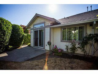 "Photo 2: 71 9012 WALNUT GROVE Drive in Langley: Walnut Grove Townhouse for sale in ""QUEEN ANNE GREEN"" : MLS®# F1447003"