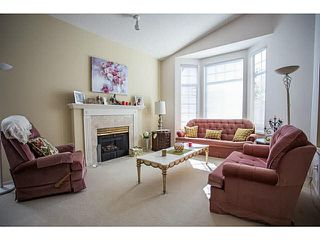 "Photo 3: 71 9012 WALNUT GROVE Drive in Langley: Walnut Grove Townhouse for sale in ""QUEEN ANNE GREEN"" : MLS®# F1447003"