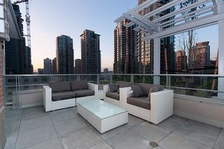 """Photo 38: 704 535 SMITHE Street in Vancouver: Downtown VW Condo for sale in """"DOLCE"""" (Vancouver West)  : MLS®# R2048097"""