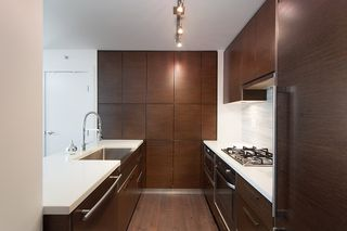 """Photo 16: 704 535 SMITHE Street in Vancouver: Downtown VW Condo for sale in """"DOLCE"""" (Vancouver West)  : MLS®# R2048097"""