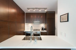 """Photo 17: 704 535 SMITHE Street in Vancouver: Downtown VW Condo for sale in """"DOLCE"""" (Vancouver West)  : MLS®# R2048097"""