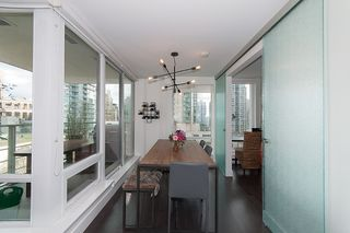 """Photo 10: 704 535 SMITHE Street in Vancouver: Downtown VW Condo for sale in """"DOLCE"""" (Vancouver West)  : MLS®# R2048097"""