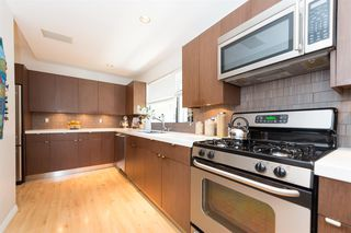 Photo 7: 3153 W 3RD Avenue in Vancouver: Kitsilano House 1/2 Duplex for sale (Vancouver West)  : MLS®# R2077742
