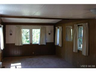 Photo 5: 1 1201 Craigflower Rd in VICTORIA: VR Glentana Manufactured Home for sale (View Royal)  : MLS®# 738635