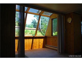 Photo 10: 1 1201 Craigflower Rd in VICTORIA: VR Glentana Manufactured Home for sale (View Royal)  : MLS®# 738635