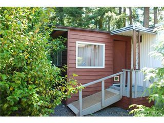 Photo 11: 1 1201 Craigflower Rd in VICTORIA: VR Glentana Manufactured Home for sale (View Royal)  : MLS®# 738635