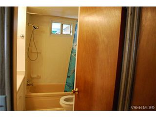 Photo 12: 1 1201 Craigflower Rd in VICTORIA: VR Glentana Manufactured Home for sale (View Royal)  : MLS®# 738635