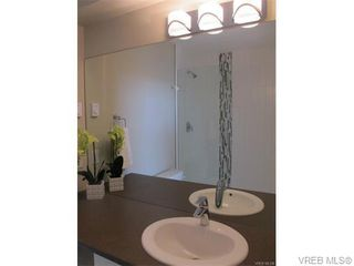 Photo 13: 112 2726 Peatt Road in VICTORIA: La Langford Proper Townhouse for sale (Langford)  : MLS®# 373202