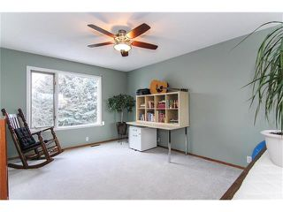 Photo 15: 9177 21 Street SE in Calgary: Riverbend House for sale : MLS®# C4096367