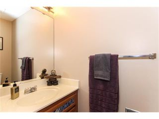 Photo 13: 9177 21 Street SE in Calgary: Riverbend House for sale : MLS®# C4096367