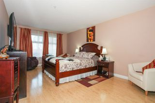 "Photo 8: 105 15220 GUILDFORD Drive in Surrey: Guildford Condo for sale in ""THE BOULEVARD"" (North Surrey)  : MLS®# R2142618"