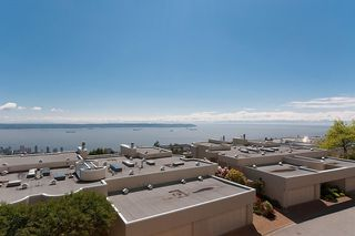 "Photo 18: 2375 FOLKESTONE Way in West Vancouver: Panorama Village Townhouse for sale in ""Westpointe"" : MLS®# R2147678"