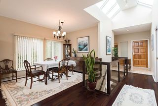 "Photo 5: 2375 FOLKESTONE Way in West Vancouver: Panorama Village Townhouse for sale in ""Westpointe"" : MLS®# R2147678"