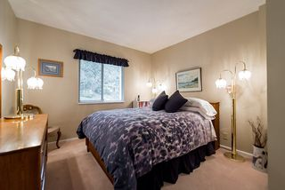 "Photo 14: 2375 FOLKESTONE Way in West Vancouver: Panorama Village Townhouse for sale in ""Westpointe"" : MLS®# R2147678"