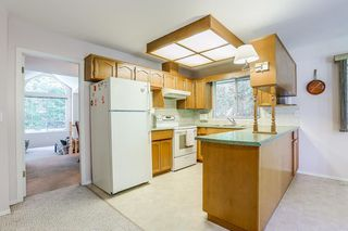 Photo 10: 1 RAVINE DRIVE in Port Moody: Heritage Mountain House for sale : MLS®# R2191456