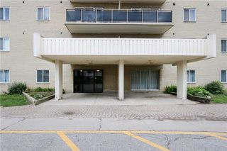 Photo 1: 303 936 Glen Street in Oshawa: Lakeview Condo for sale : MLS®# E3920224